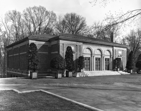 Bronx ZOO, NYC, Headquarters of The National Collection of Heads